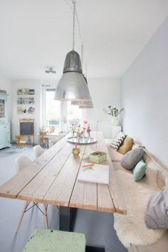 Amazing 49 Beautiful Scandinavian Dining Rooms Decor for Big Family https://decoraiso.com/index.php/2018/05/21/49-beautiful-scandinavian-dining-rooms-decor-for-big-family/