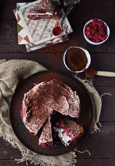 haselnuss-kirsch-kuchen-hazelnut-cherry-cake-18
