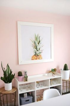 murs roses, pink bedroom walls, light pink girls bedroom, l Pink Living Room, Pink Paint Colors, Living Room Accents, Light Pink Rooms, Pink Accents Living Room, Living Room Paint, Girl Room, Room Decor, Room Paint Colors