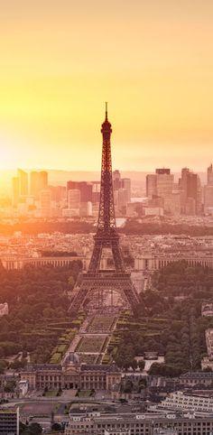 Warum wollen eigentlich alle nach Frankreich? Hier steht's: http://www.travelbook.de/europa/Warum-ist-Frankreich-eigentlich-so-beliebt-518404.html
