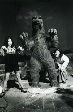 Godzilla vs. Gigan Behind the Scenes Photos Cool Monsters, Famous Monsters, Godzilla Suit, Strange Beasts, Japanese Monster, Vintage Horror, Creature Feature, Monster Art, Scene Photo