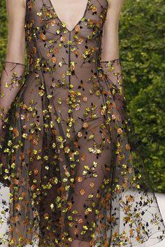 whore-for-couture:   Christian Dior Haute Couture Spring/Summer 2013  Haute Couture blog :)   Bonjour, nous sommes Katarina et Violeta. Nous...