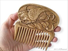 Гребень_Art Nouveau_Бабочка Wooden Art, Wooden Crafts, Wood Comb, Love Spoons, Bone Jewelry, Wood Carving Patterns, Bone Carving, Hair Combs, Hair Sticks