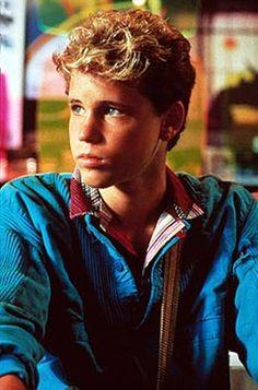 Lost Boys Movie, The Lost Boys 1987, Corey Haim Young, Beautiful Boys, Pretty Boys, Cute Teen Guys, Retro Pictures, Retro Pics, New Retro Wave