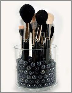 The Ultimate Makeup Brush Manual