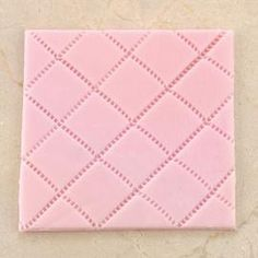 How to give fondant a quilted look - quilt tutorial step by step