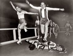 Shorpy Historical Photo Archive :: Roller Derby Girls: 1950