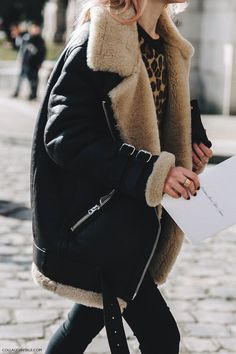 These Winter Looks Have Over Fans via - feline power with an oversized shearling jacket. Looks Street Style, Looks Style, Looks Cool, Business Outfit, Business Suits, Inspiration Mode, Fashion Inspiration, Winter Looks, Winter Style