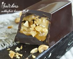 Snickers- konfekt Clean Recipes, Raw Food Recipes, Yummy Recipes, Raw Food Diet, Mad, Food And Drink, Low Carb, Pudding, Yummy Food