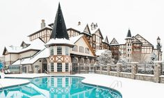 If you're the type of person who craves Christmas in July (and basically every other month), you're going to love this Christmas-themed hotel.