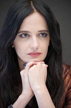 "Eva Green at the ""Penny Dreadful"" Press Conference at the Mandarin Oriental Hotel on May 2014 in New York City. Beautiful Celebrities, Beautiful Actresses, Beautiful People, Beautiful Women, Eva Green Penny Dreadful, Ava Green, Vanessa Ives, Actress Eva Green, Selena"