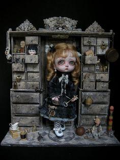 puppet:  http://intermundisleblogdejulienmartinez.blogspot.com/