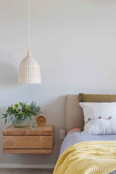 Gorgeous Bedrooms That'll Inspire You to Redecorate For You ⋆ Home & Garden Design Clear Glass Pendant Light, Small Pendant Lights, Wood Pendant Light, Pendant Lighting Bedroom, Home Garden Design, Cool Lighting, Task Lighting, Lighting Ideas, House Colors