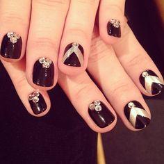cute nails on Demi Lovato
