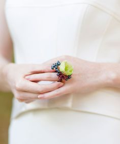 Flower trends for 2016: Ring corsages #wedding #flower #ring