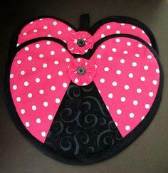 Pink Polka Dot and Black Swirl Heart Hot Pad Pair on Etsy, $10.00