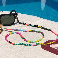 sunglasses diy Sunglasses Chain Beaded Eyeglass Chain Trendy and Colourful Beaded Jewelry, Beaded Bracelets, Diy Jewelry, Jewellery, Accesorios Casual, Diy Bracelets Easy, Diy Necklace, Eyeglasses, Creations