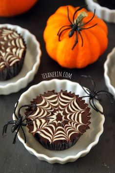 Chocolate Spiderweb Cupcakes with Chocolate Peanut Butter Fudge Frosting – grain-free and dairy-free! | texanerin.com