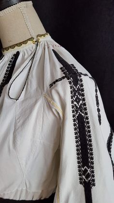 Peasant Blouse, Ethnic Fashion, Bomber Jacket, Moldova, Costumes, Popular, Boho, Romania, How To Make