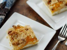 Sweetened cream cheese is spread over crescent roll dough, topped with peach fruit filling and a nutty crumble mixture for an easy yet elegant dessert. Cream Cheese Crescent Rolls, Cresent Rolls, Crescent Roll Dough, Peach Pie Filling, Cookie Bars, Bar Cookies, Types Of Desserts, Peach Fruit, Elegant Desserts