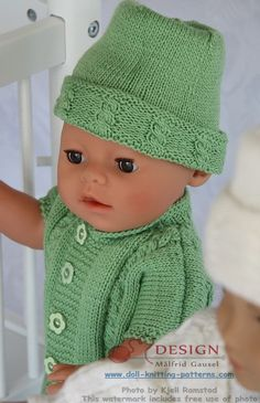 Maalfrid Gausel's lovely knitting patterns for dolls clothes