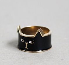 The Halloween Black Cat Ring is a Great Costume Accessory trendhunter.com