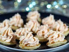 Une mousse à servir sur des toasts ou en verrines pour des apéritifs festifs ultra vite préparés....