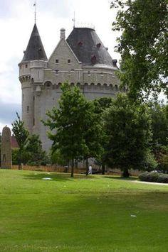 Castle in Parc de la Porte de Hal - Hallepoortpark, Brussels, Belgium