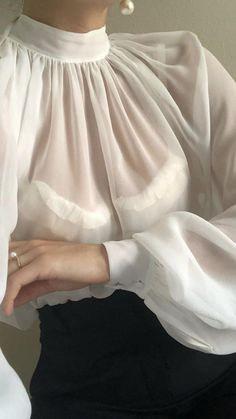 Hijab Styles 614671049132545370 - Dreamy Spring / Summer Inspo # Dreamy Spring / Summer Inspo Album de Dr Source by marylynromo Fashion Details, Look Fashion, Womens Fashion, Fashion Design, Fashion Trends, Mode Outfits, Casual Outfits, Hijab Casual, See Through Blouse