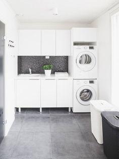 Cuarto de lavandería elegante  http://cursodedecoraciondeinteriores.com/cuarto-de-lavanderia-elegante/  #Cuartodelavanderiaelegante #cuartosdelavado #Decoracióndecuartosdelavado #Decoraciondeinteriores #Tipsdedecoración