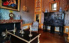 Nicolas Fouquet Vaux Le Vicomte   Charles Le Brun a décoré les chambres du château Vaux-le-Vicomte ...
