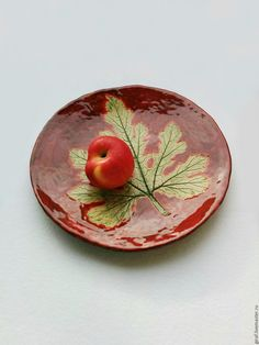 """Купить Блюдо """"Цвет осени"""". Керамика. - бордовый, красный, красно-коричневый, зелёный, лист, осень"""