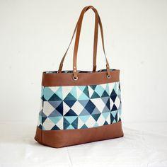 Sac cabas été zippé caramel motifs géométriques anses en cuir : Sacs à main par kiwaz-et-minus