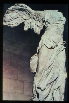 Victoria de Samotracia. NIKE.190 a.C. Museo del Louvre.
