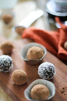 Raw Vegan Chocolate Truffles | http://www.theroastedroot.net