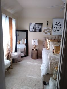 White and gold Bedroom Decor For Couples, Room Ideas Bedroom, Bedroom Designs, First Apartment Decorating, Apartment Ideas, Woman Bedroom, Master Bedroom, New Room, House Rooms