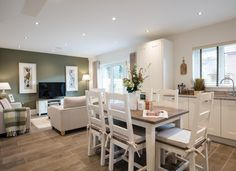 Redrow Homes Interior Designed Show Home Modern Hamptons Style open plan living kitchen dining room Lounge Diner Ideas, Kitchen Diner Lounge, Kitchen Diner Extension, Open Plan Kitchen, New Kitchen, Kitchen Modern, Kitchen Modular, Kitchen Family Rooms, Living Room Kitchen