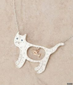 Where can i get this necklace? it´s so funny