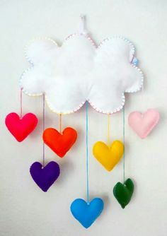 Discover thousands of images about Somewhere over the rainbow mobile [Rainbow with raindrops - Baby mobile] by on Etsy Baby Crafts, Felt Crafts, Diy And Crafts, Crafts For Kids, Felt Mobile, Baby Mobile, Craft Projects, Sewing Projects, Projects To Try