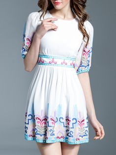 ¡Cómpralo ya!. White Embroidered Pleated A-Line Dress. White Round Neck Half Sleeve Polyester A Line Short Embroidery Fabric has no stretch Summer Vintage Day Dresses. , vestidoinformal, casual, informales, informal, day, kleidcasual, vestidoinformal, robeinformelle, vestitoinformale, día. Vestido informal  de mujer color blanco de SheIn.