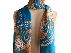 Pashmina Scarf, Wide Teal scarf, Women Cotton Scarf, Scarf shawl, Leopard scarf, Women scarf, Summer scarf, Scarf Woman, Cotton Scarf   Wide cotton scarf.  Real scarf.  The color is perfect.  Teal leopard cotton fabric.  Soft shaping is easy.  Can be used in many ways.  Scarf, shawl, bandana, bustier, pareo, hair band can be.  It could be a gift alternative.  Accessory for elegant 4 seasons.  The scarf you need in your locker.    Measurement: Length 70 // Width 30   COLOR: Teal leop...