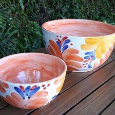 Ceramic Decor, Ceramic Clay, Ceramic Pottery, Pottery Designs, Mug Designs, Teen Art, Painted Pots, Pottery Painting, Hand Painted Ceramics