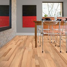 Casa moderna american cypress vinyl plank new house for Casa moderna hampton hickory