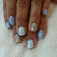 It's possible to even paint each nail differently if you want. You want to keep the acrylic nails so they last longer and look much better. When you have very short or brittle nails, you can decide on a gel manicure. Blue Chevron Nails, Baby Blue Nails, Nautical Nails, Gray Chevron, Fancy Nails, Cute Nails, Pretty Nails, Gold Nail Art, Gold Nails