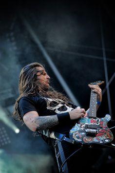 Andreas Kisser, Sepultura - Hellfest 2010 by Mathieu Ezan (Metalorgie)