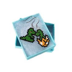 Baby Dinosaur Earrings, Cute Jewelry, Seed Bead Earrings by BeadCrumbs on Etsy Seed Bead Jewelry, Seed Bead Earrings, Cute Jewelry, Seed Beads, Beaded Earrings Patterns, Beading Patterns, Dinosaur Earrings, Seed Bead Projects, Beadwork Designs