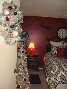 Victoria's Room 2011