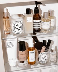 craffey when you're running low on content, throw all your prettiest products into a shelfie and call it a day 🕯➰ skin face skin no makeup skin requires commitment skin secrets skin tips Beauty Care, Beauty Skin, Beauty Makeup, Hair Beauty, Drugstore Beauty, Skin Secrets, Beauty Secrets, Beauty Hacks, Beauty Products