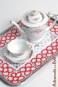 Toalha de Bandeja Floral em organza bordada com sianinha | Artesanato na Rede