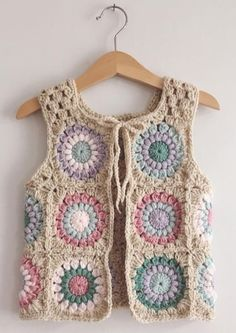 I just can't get enough of this waistcoat 💕❤💗 I mean just look at the back of it. I love love a good sunburst with the rose pink yarn, it's one of my most favourite of colours to crochet with, it never disappoints 🙌🏻🙌🏻🙌🏻 Cardigan Au Crochet, Crochet Waistcoat, Gilet Crochet, Crochet Jacket, Knit Crochet, Crochet Vests, Crochet Tops, Mode Crochet, Crochet Girls